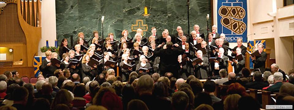 Bob Webb conducting the full Chorale
